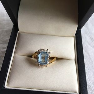 Pretty Ring with blue stone.